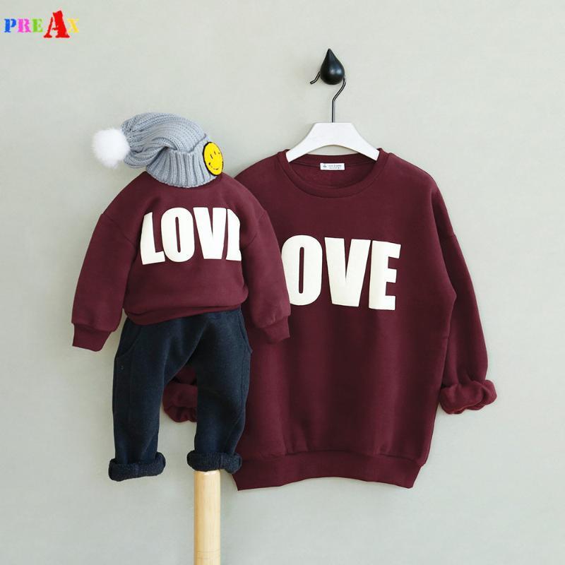 Familia Mira 2021 Mami y yo suéter Moda Madre Padre Padre Bebé Letra Amor Familia Ropa Bordado Star Matching