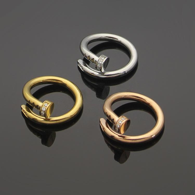 Fashion Lady 316L Titânio Aço único Círculos Envoltório 3 Cor Pegs Diamante Noivado de Casamento 18K Anéis Banhado A Ouro Tamanho5-9