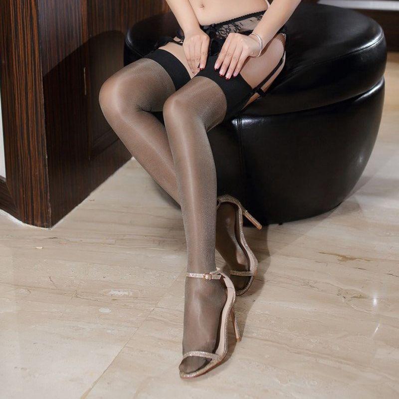 Летние женщины бедра высоко на коленах носки сексуальные моды чулочно-носочные масло блестящие блестящие чулки многоцветные для женщин