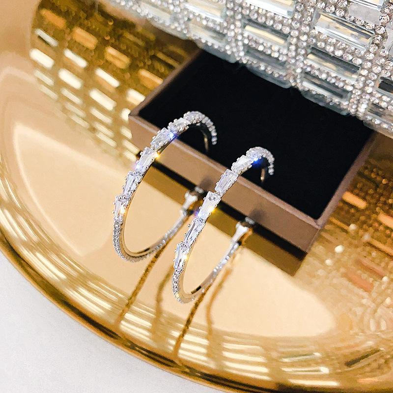 المجوهرات النسائية بالجملة 925 إبر الفضة اليورو الأمريكية الزركون هوب أقراط مزاج مطعمة مع حلق الماس