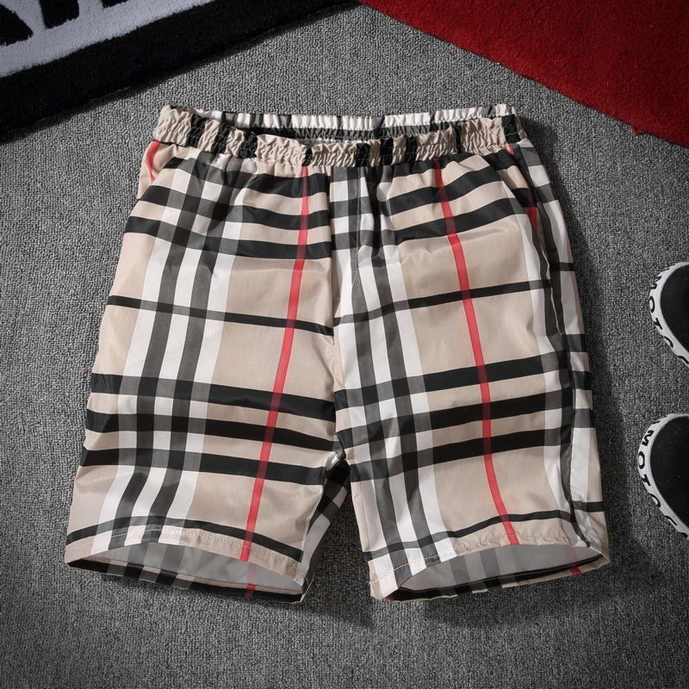 2020 Sommersport Shorts Männer lose / 5 Strandhosen