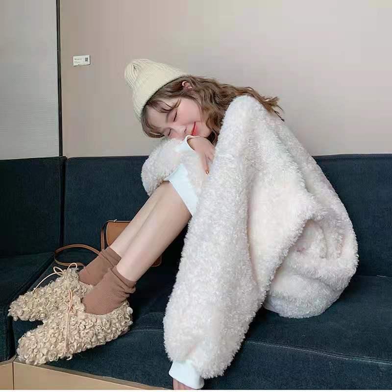 Tembel tarzı kuzu yün kazak 2020 yeni kadın gevşek Kore versiyonu kalın ve kadife sonbahar ve kış ceket