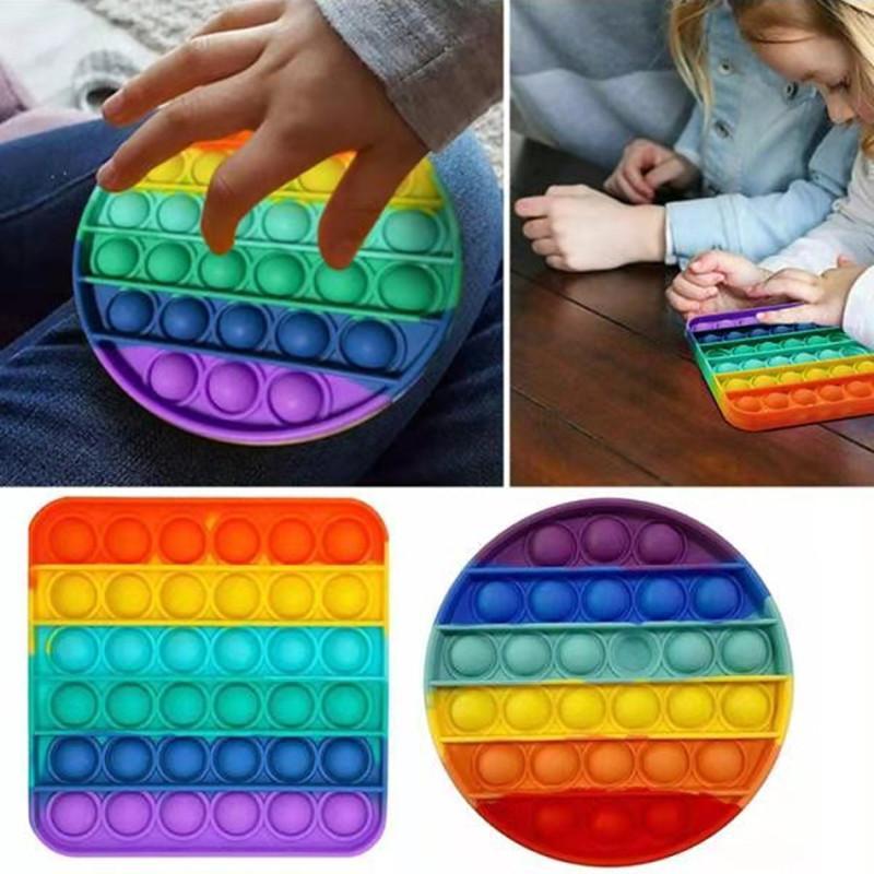 9 pçs / lote Ranbow cor anti-stress brinquedos silicone desktop brinquedos adultos crianças engraçado autismo garante brinquedo
