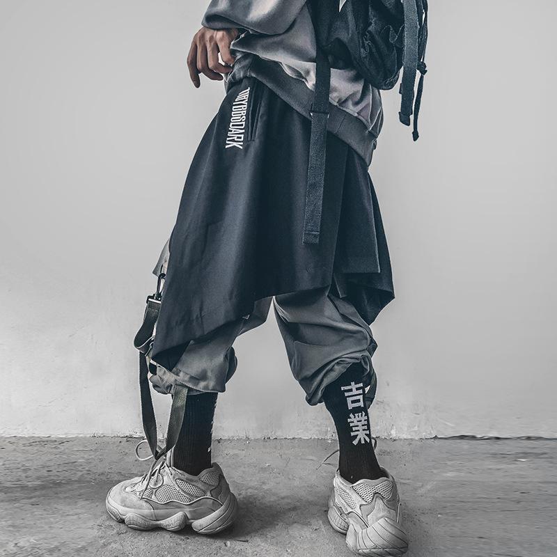 Мужские брюки Панк стиль асимметричный писем вышивка на шнуровке Hakama мужчин грузовые повседневные уличные одежды хип-хоп днищ фартук япония брюки