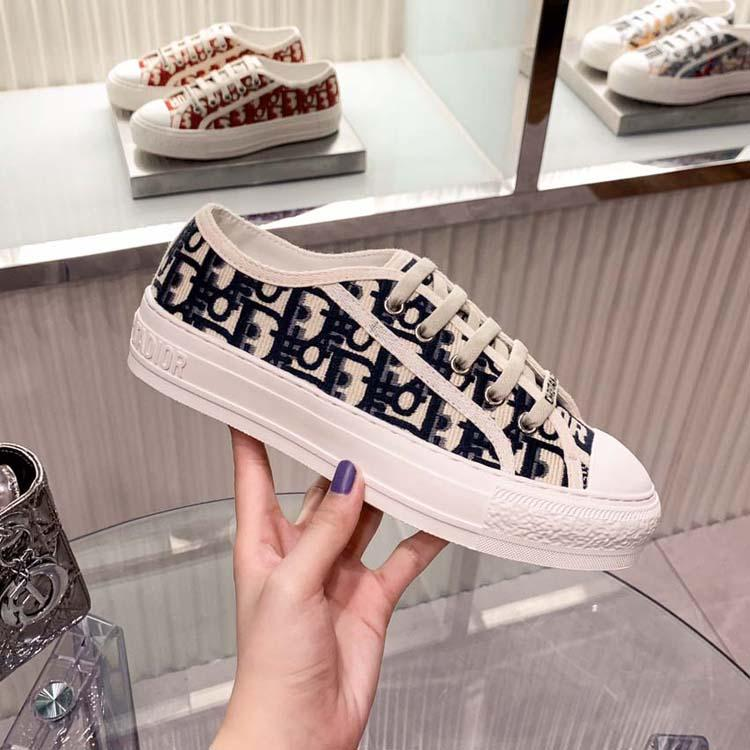 Clássicos Qualidade Mulheres Luxurys Designers Sapatos Espadrilles Sneakers Impressão Caminhada Sneaker Bordado Lona Low Top Platform Shoe Girls by Home011 009