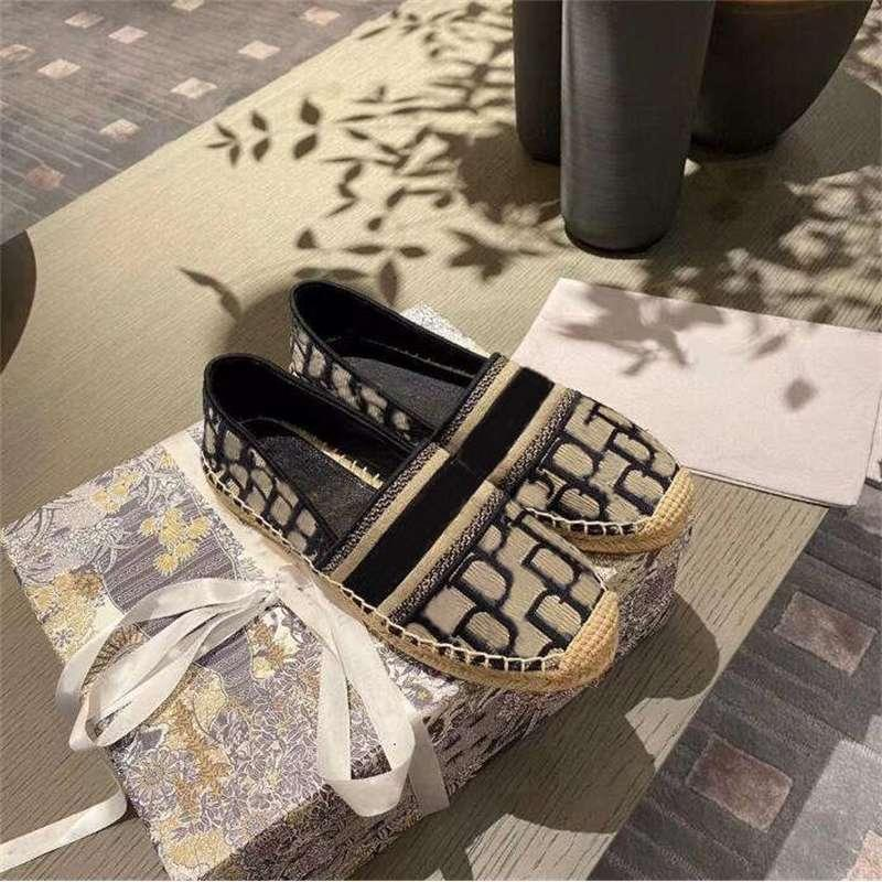 2021 Kadın Lüks Rahat Ayakkabılar Espadrilles Yaz Tasarımcılar Bayanlar Düz Plaj Yarım Terlik Moda Kadın Loafer'lar Fisherman CA Lesliecheung
