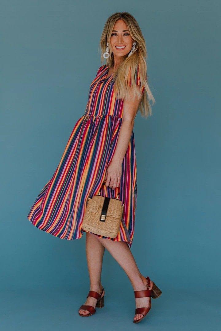 Радужные полосы напечатаны V-образным вырезом родитель-дочерние платья мамочка и мне семейные пасхальные платья, соответствующие пасхальные наряды