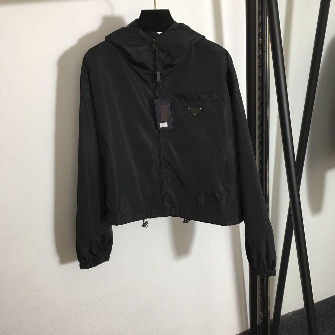 315 2021 Marque d'été de printemps Maison de style manteau à manches longues à capuche noir Cardigan manteau femmes vêtements Meiyi