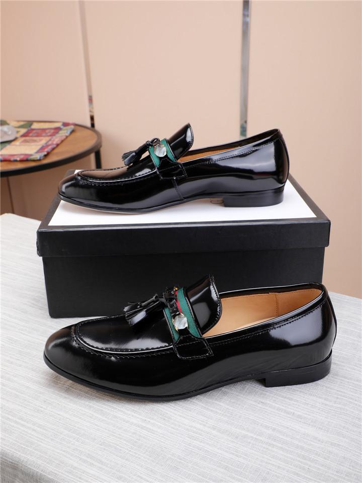 남성 디자이너 정품 가죽 브로그 신발 비즈니스 드레스 연회 정장 신발 남성 브랜드 Bullock 웨딩 옥스포드 신발 남성 2020 블랙