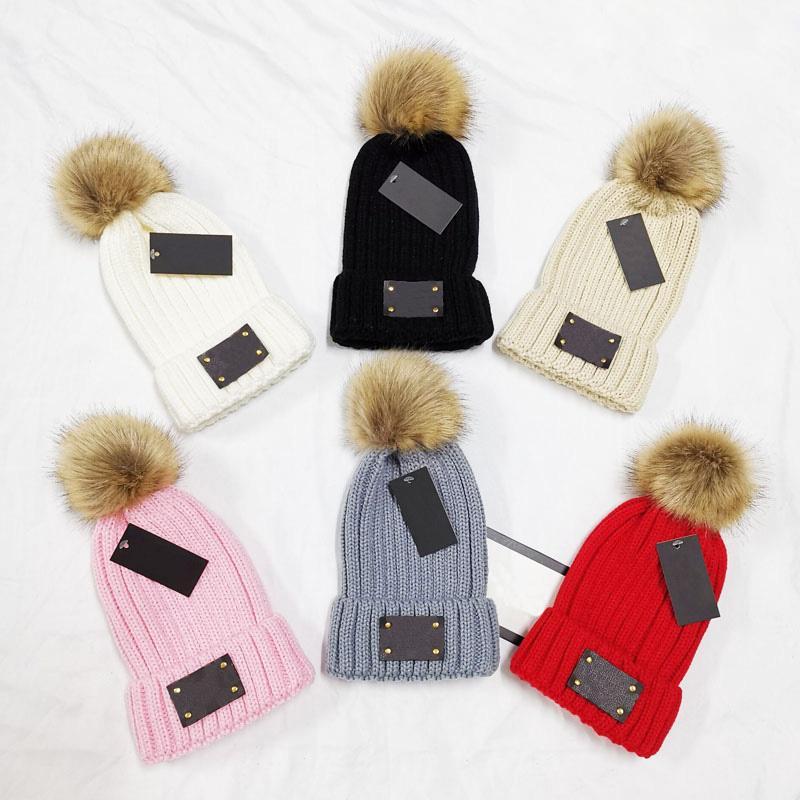 Concepteur femmes hiver beanie pompon épais chapeau chaude pour câble stredin stretch Velvet automne tricoté pompons stossies chapeaux patchwork femme crâne capsse