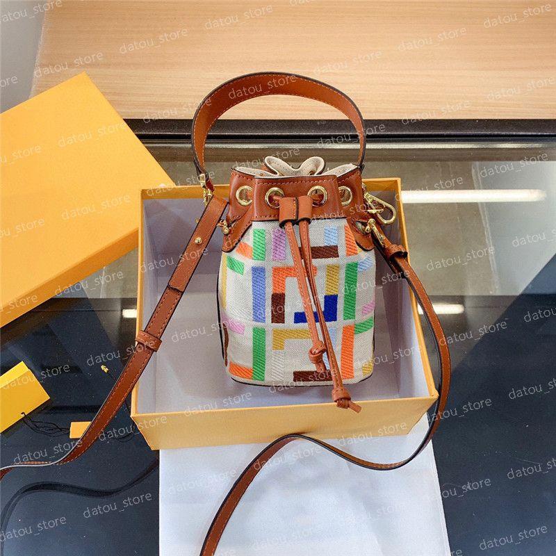 حقيبة يد نسائية مصمم حقائب دلو الأزياء النسائية الملونة حقيبة الكتف crossbody حقائب اليد الصغيرة حقائب اليد المحافظ الكامل إلكتروني التطريز المحفظة
