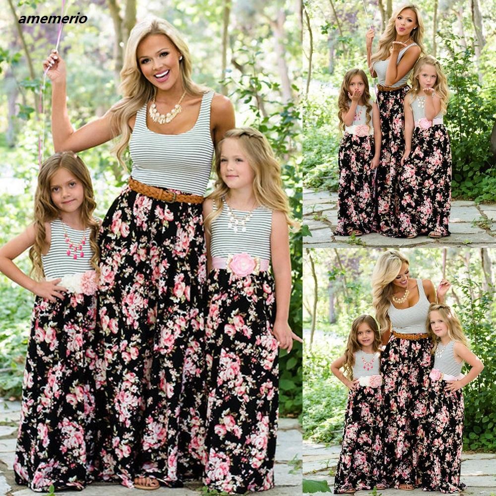 Mama und ME-Familie, Matching Mama und Mädchen Tochter Kleid Mutter Tochter Kleider Kleidung Gestreifte Kinder Elternkind Outfits Look 210317