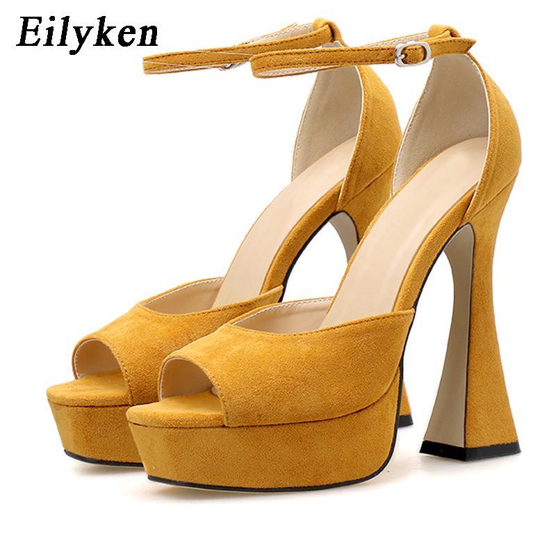 Eilyken 2021 Sommer Concise Flock Seltsame Fersen Frauen Sexy Knöchel Schnalle Strap Plattform Schuhe Neue Design Peep Toe Sandal Femme 210225