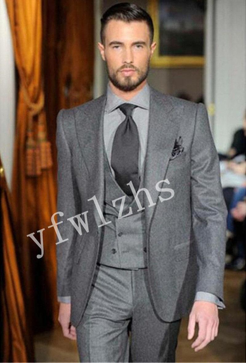 Handsome One Button Groomsmen Peak Lapel Groom Tuxedos Mens Wedding Dress Man Jacket Blazer Prom Dinner suits (Jacket+Pants+Tie+Vest) W750