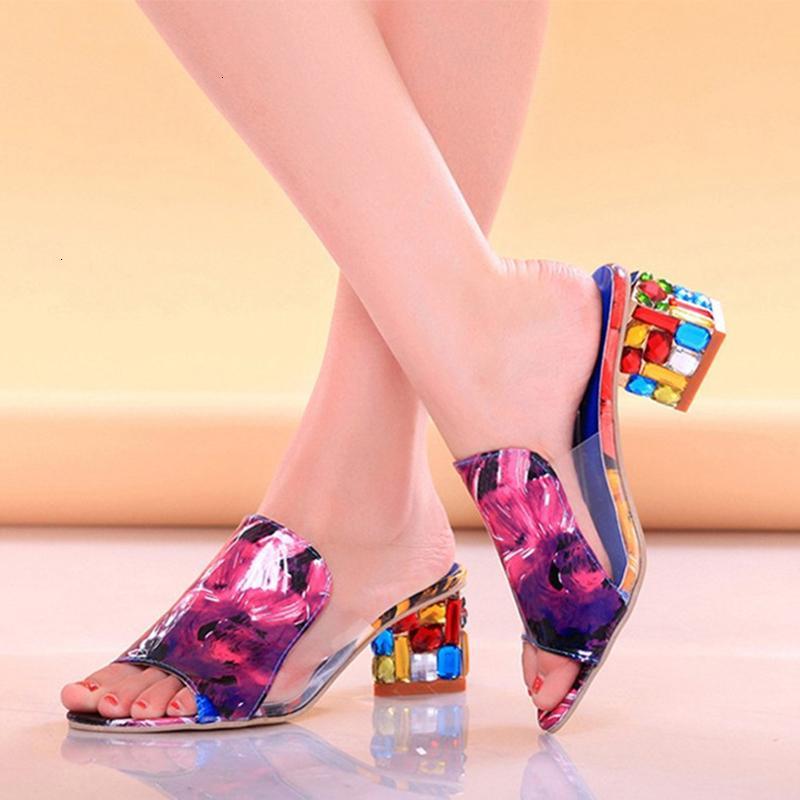 2021 Yeni Kadın Moda Renkli Rhinestone Yüksek Topuklu Sandalet Terlik Seksi Peep Toe Karışık Renk Parti Plaj Çevirme Kadın JA74