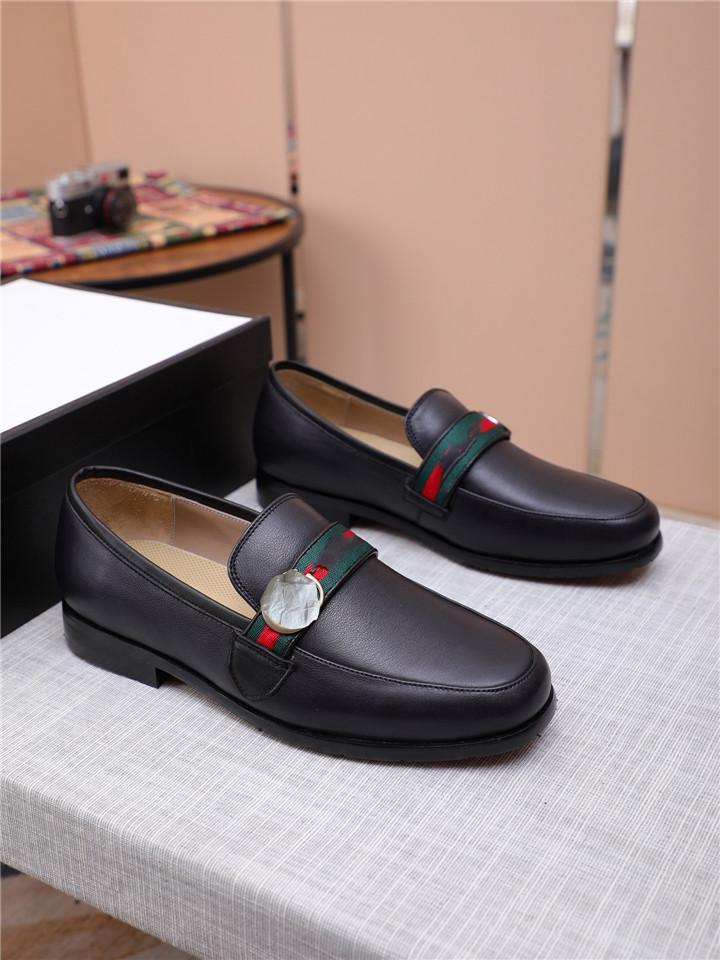 남자 블랙 드레스 신발 2019 가을 가죽 신발 디자이너 정품 가죽 Bussiness 공식 신발 웨딩 신발 럭셔리 브랜드