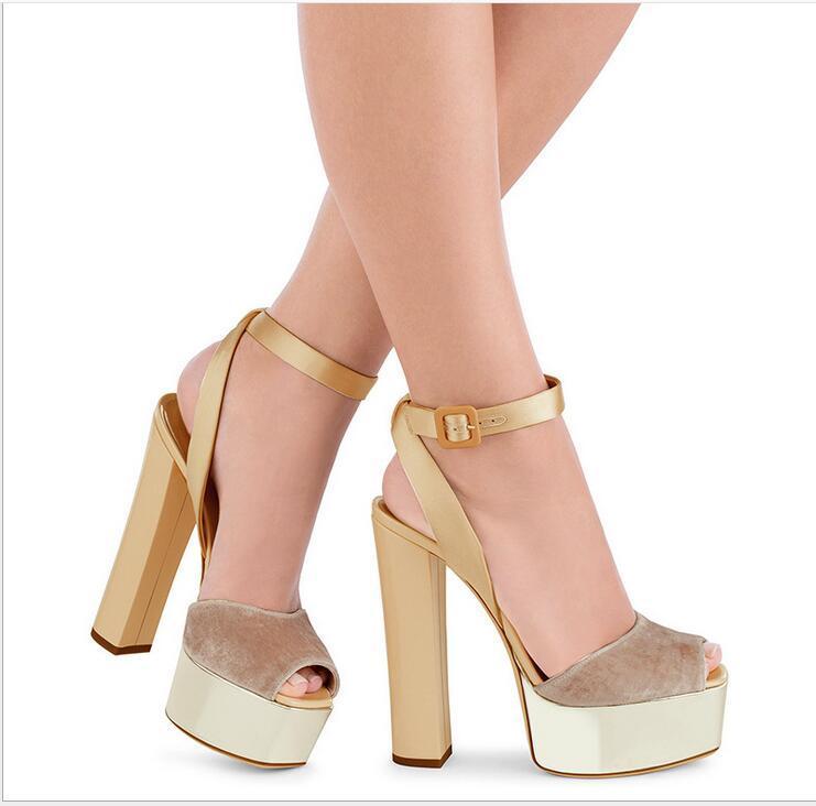 2021 Продам скважин мода женщин сандалии обувь богемные алмазные тапочки женщины квартиры флип флопы обувь летом пляжные сандалии 078 #