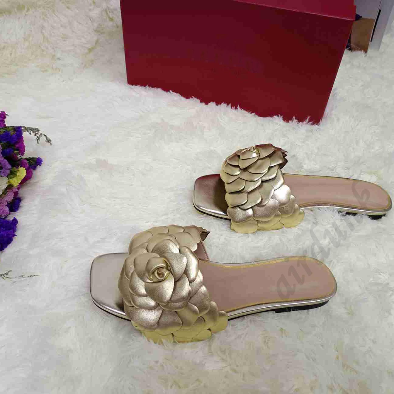 [Mit Box] 2021 Top Qualität Flache Ferse Frauen Slipper Leder Blume Blütenblätter Flip Flops Sandalen Flut Weibliche Hausschuhe