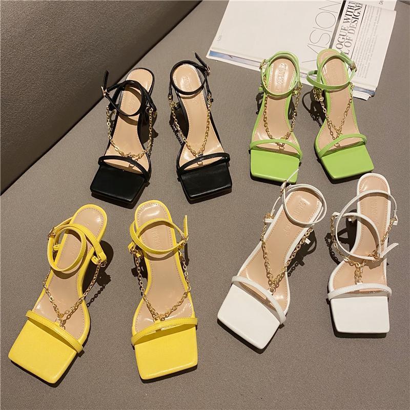 New Brand Gold Catena Designer Sandali da donna 2021 Summer Square Toe Strain Stragini Alti Tacchi alti Sandali Gladiatore Sandali Sexy Party Shoes