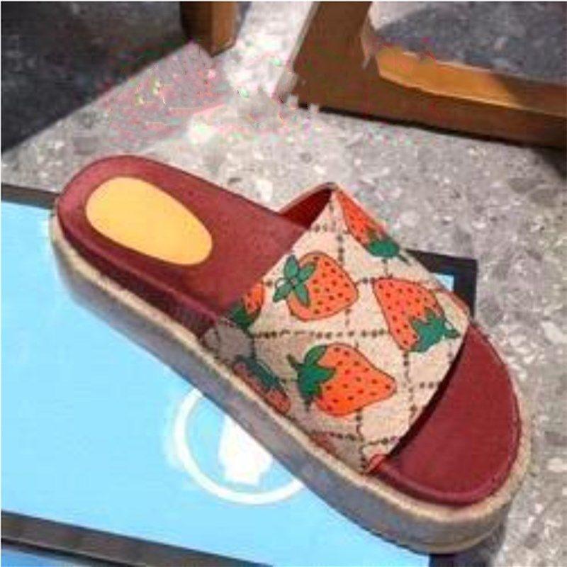 Clássico senhora chinelos mulher morango praia grosso fundo sapatos plataforma alfabeto senhora sandálias couro salto alto chinelos sapatos