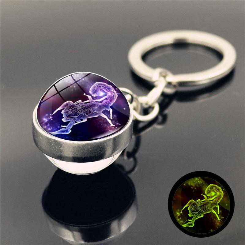 12 별자리 빛나는 키 체인 유리 공 펜던트 조디악 키 체인 빛 어두운 열쇠 고리 홀더 남성 여성 생일 선물 GGA4178