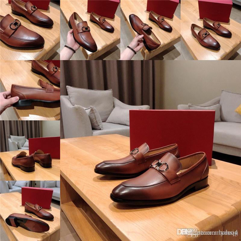 Fotwear Hommes Tassel Luxury Robe Chaussures Big Taille Office Mens Oxfords Slip sur Cuir Designer Hommes Mariage Chaussures Formelle Respirant Conduite