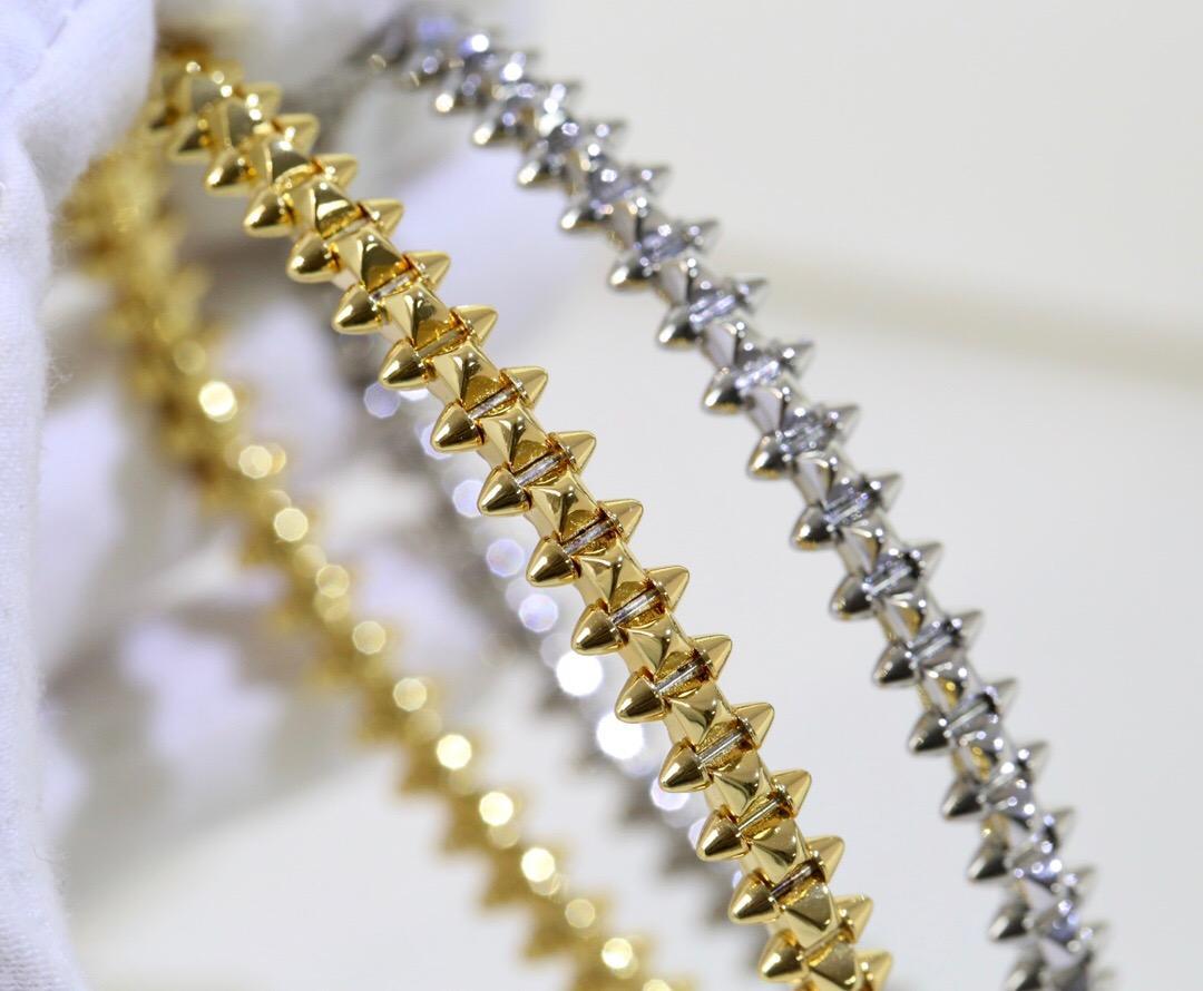 2021 أزياء الرجال النساء زوجين هدية سوار 316l الفولاذ المقاوم للصدأ صفعة سوار لا تتلاشى تصميم مجوهرات الإسورة مع مربع