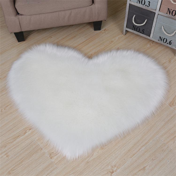 Imitação de pele de carneiro modelagem coração tapete sala de estar quarto tapete de pelúcia cute decoração de casamento em forma de coração