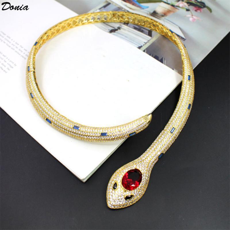Dona Jewelry Collana di lusso Collana europea e americana Ferocious Serpente Rubino Rubino Micro-Inlaid Zircon Designer Regalo