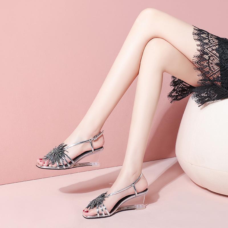 2021 Été Nouveaux chaussures Femmes Chaussures de vachette de haute qualité 6 cm Sandales à talons hauts de hauteur Stade de banquet sexy