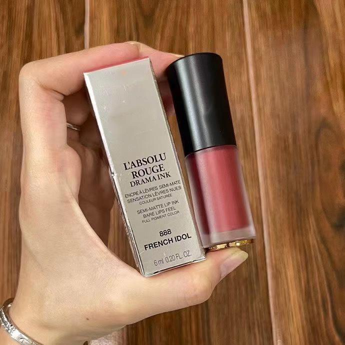 Оптовая продажа бренда бархат вельвата помада губная помада тататуристый крем Couture 4 цвет жидкий губное слово высокое качество