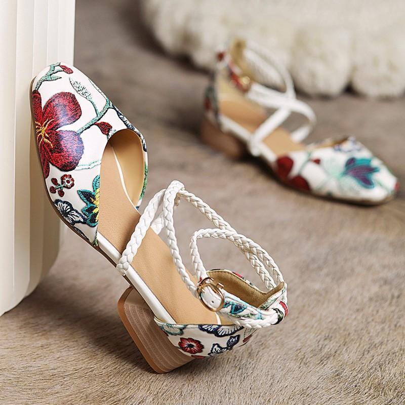 Богемные женские сандалии Sweet Flowers Weave лодыжки деформация пряжка квадратная носок коренастые средние каблуки 2021 змеиный узор обувь большой размер 42