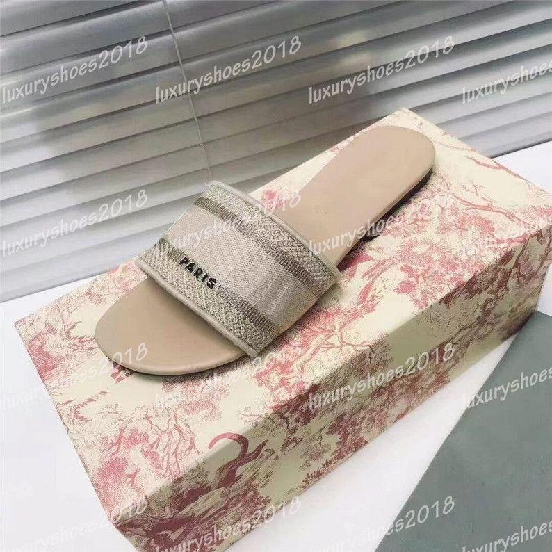 2021 باريس إمرأة النعال أجرى الصيف الصنادل الشاطئ الشرائح السيدات الوجه يتخبط مثير متعدد الألوان المطرزة الأحذية الأزهار أعلى جودة
