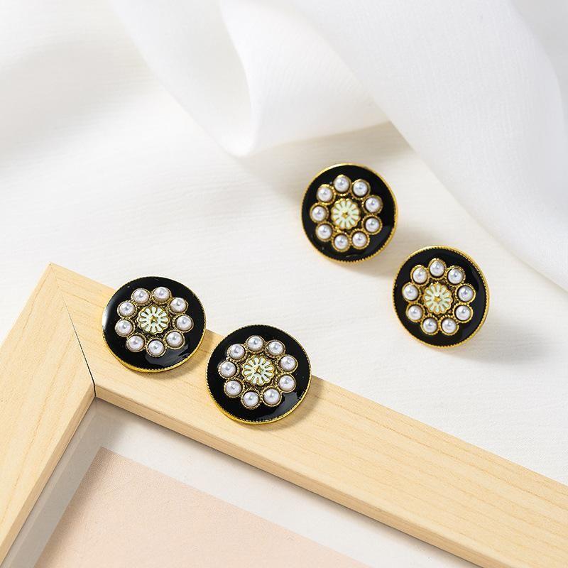 Gsold модный сладкий старинный жемчужный Кнопка серьги геометрические черные эмаль круглые металлические ромашки гвоздики женские женские вечеринки ювелирные изделия 2021
