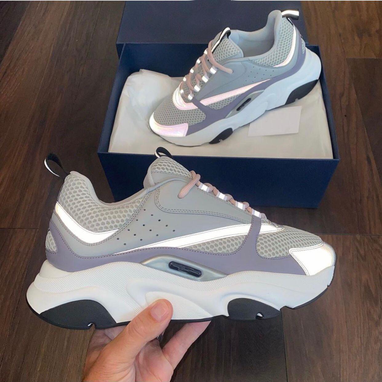Tasarımcı markaları sporty sneaker ayakkabı erkekler kadınlar teknik örgü pürüzsüz buzağı derisi deri rahat yürüyüş nefes konforlu kauçuk taban çift eğitmen