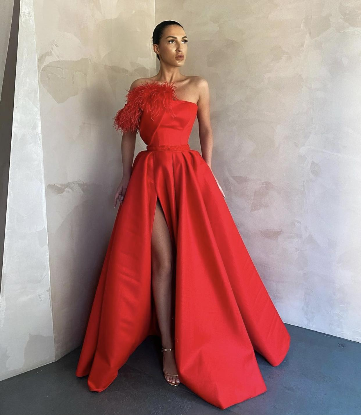 2021 Neue Schwarze Girl Prom Dresses Royal Blue Feather Quaste Formale Abendkleid Meerjungfrau Partykleider 2k21 Side Split