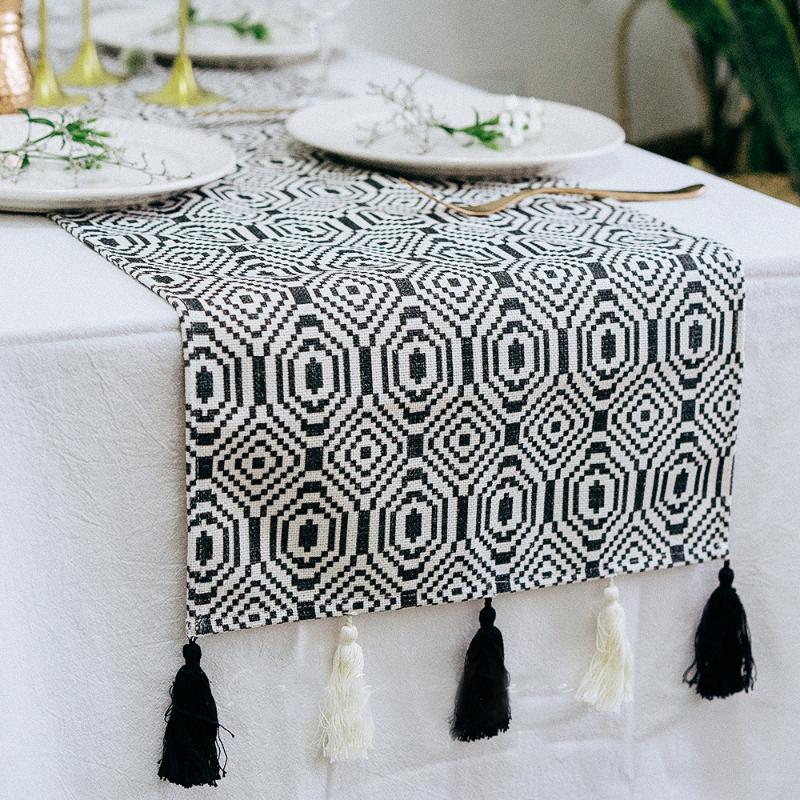 Ins Moda Fransız Chic Püskül Masa Örtüsü Koşucu Geometrik Siyah Beyaz Şerit Fas Nordic Stil Tasarım