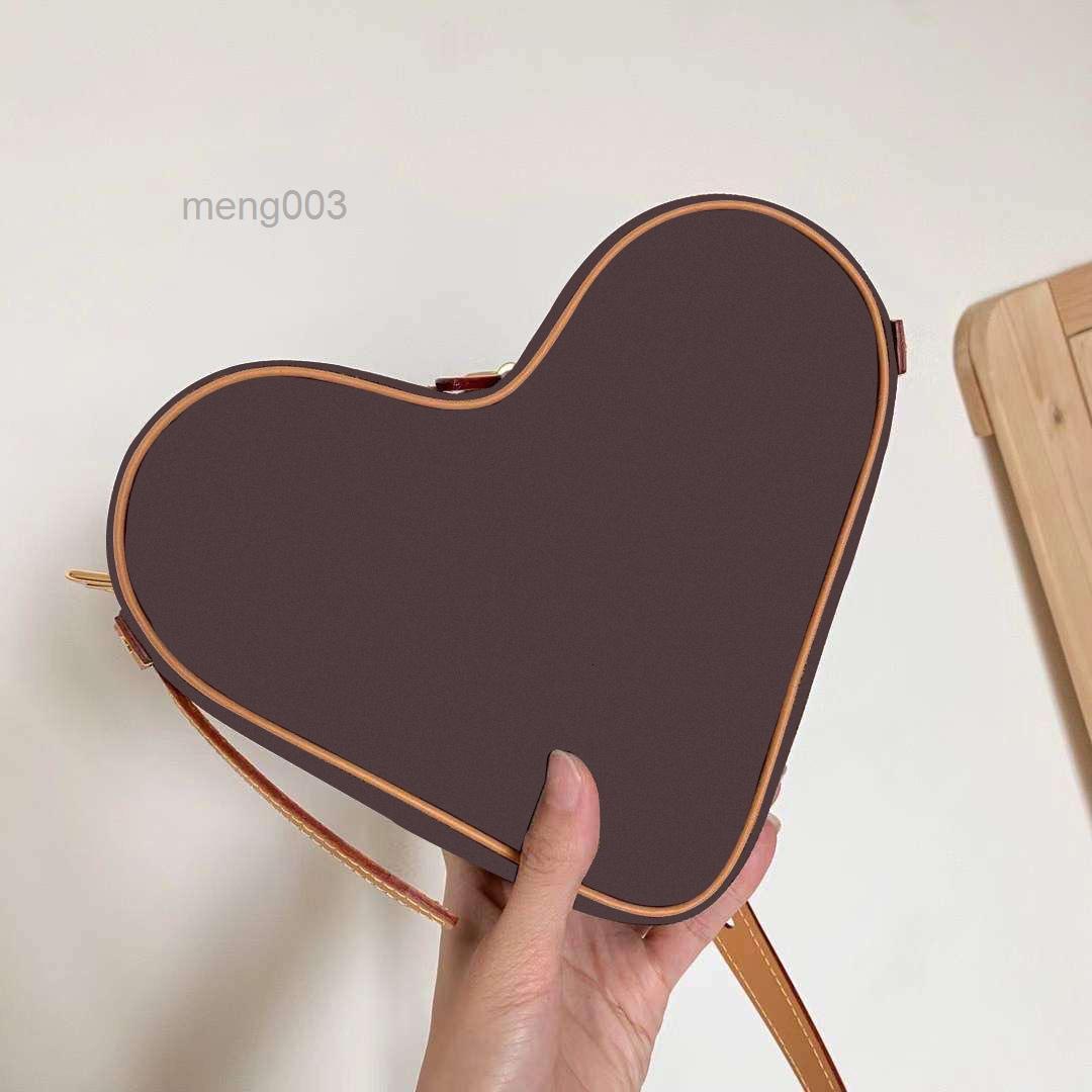 2021 موجة جديدة من حقيبة شكل قلب الخوخ القلب الحب له القليل حقيبة نوع الأقفال الحزم يميل حقيبة الكتف
