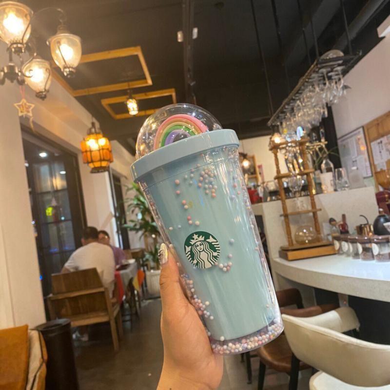 450ml Netter Regenbogen Starbucks Cup Double Plastik mit Strohhalsten Haustiermaterial Für Kinder Erwachsene GirlFirend Für Geschenkprodukte FY4479