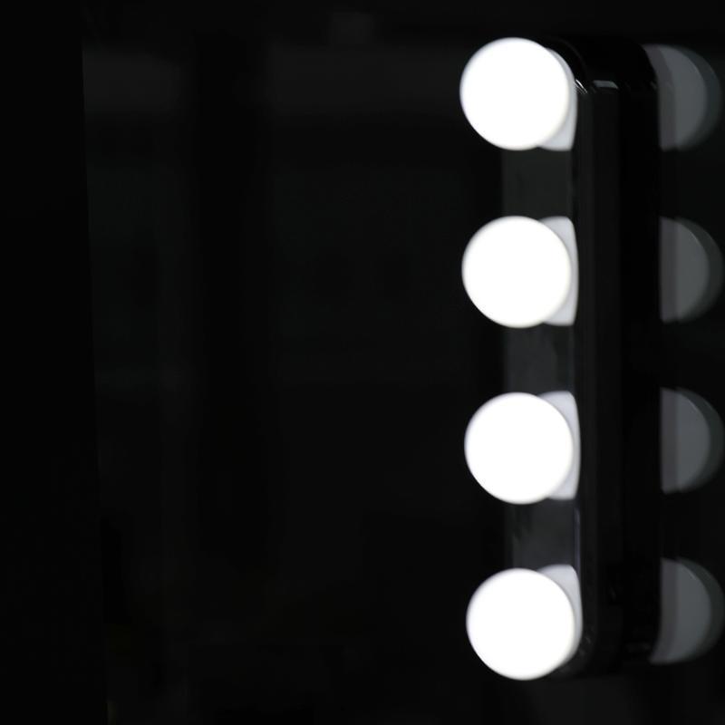 Stüdyo Makyaj Işık Vanity Masa Ayna Işık Akülü Profesyonel Parlak Makyaj Lambası Ile 4 LED Ampuller Taşınabilir Ayna Lambası