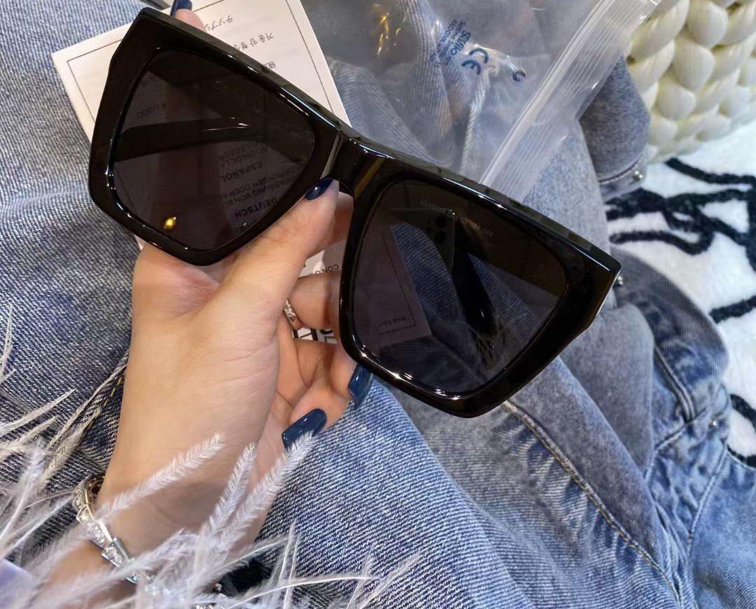 4S688 Sol Square Sunglasses Fashion Femmes Lunettes de soleil Eyewear de Sonnenbrille UV400 Office de protection noir / noir surdimensionné avec Gafa drjwx