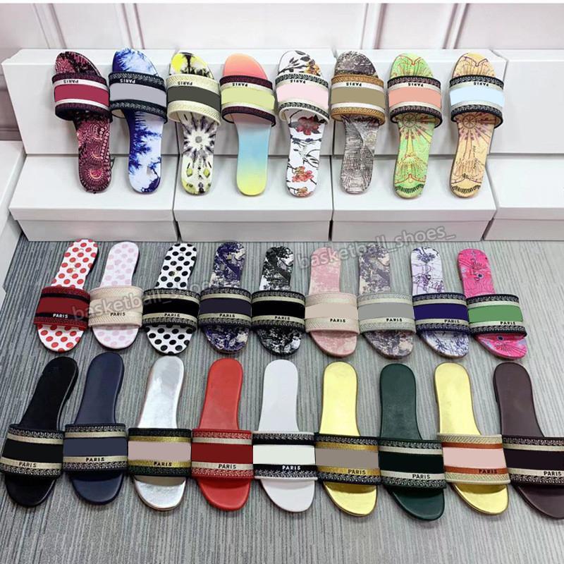Mulheres Paris 20SS Chinelos de Desenhos De Verão Meninas Slides Slides Top Quality Flip Flops Sexy Sandálias Bordadas Sexy Tamanho Grande 34-42