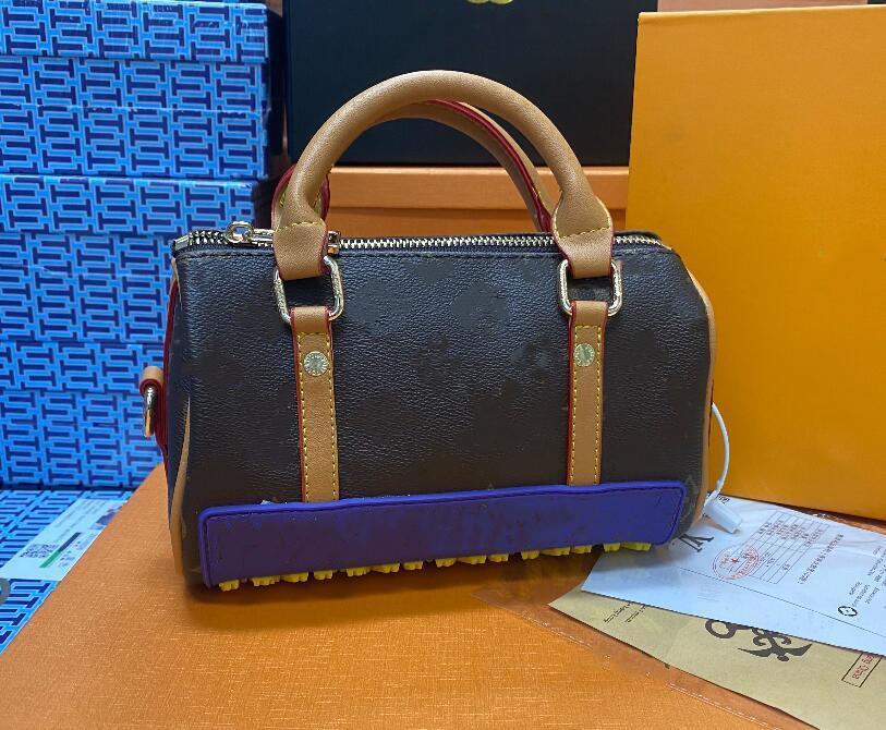 Alta Qualidade Classic Woman Crossbody Bag Feminino Moda Bolsas De Couro Senhoras Mensageiro Mensageiro Mensageiro Bolsa Mulheres Embreagem Sacos Tote Carteira Mochila