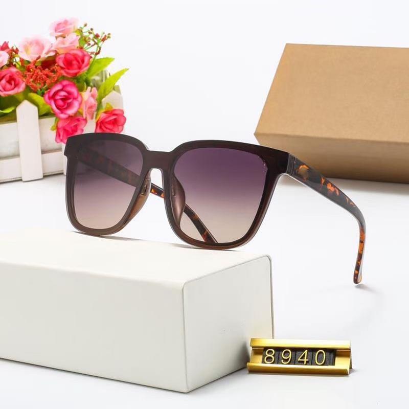 خمسة ألوان أزياء المرأة القط العين نظارات عالية الجودة عالية الدقة الاستقطاب العدسات الاتجاه عارضة القيادة نظارات مع حزمة 8940