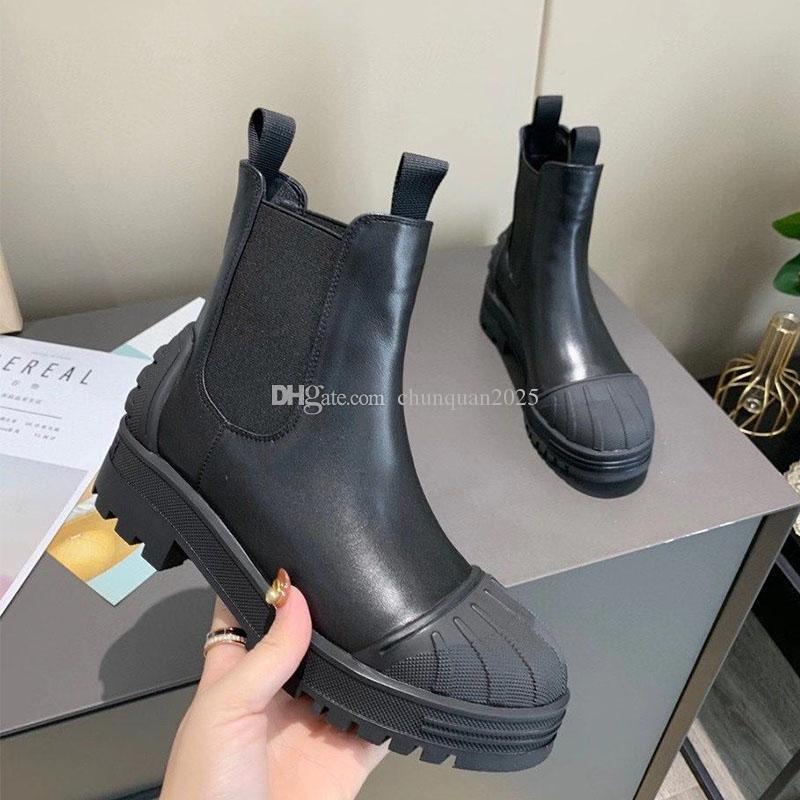 Bayanlar Yeni Moda Kabuk Toe Martin Çizmeler Orta Topuk Platformu Kısa Çizmeler Kadın Açık Tüm Maç Kadın Ayakkabı Su Geçirmez Ve Kaymaz Patik