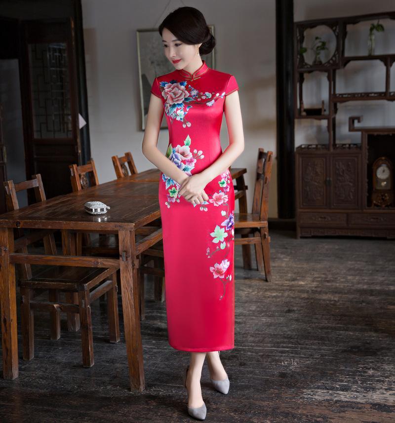 Abbigliamento etnico Donne rosse Dolce Stampa fiore Stampa lunga Qipao Sexy Sexy Slim Manica Corta Abito cinese Vintage Button Trim Novità Cheongsam M-4XL