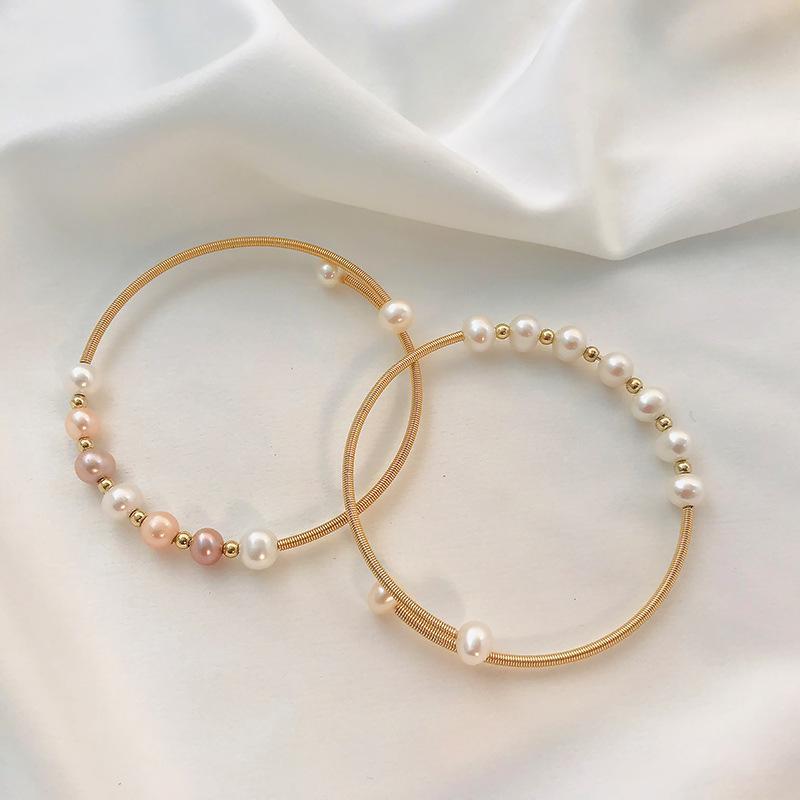 Los anillos de compromiso de los pendientes del diseñador, las pulseras y los collares de oro son los favoritos de las mujeres enlazan, cadena natural de agua dulce perla de agua coreana de la minoría de la minoría