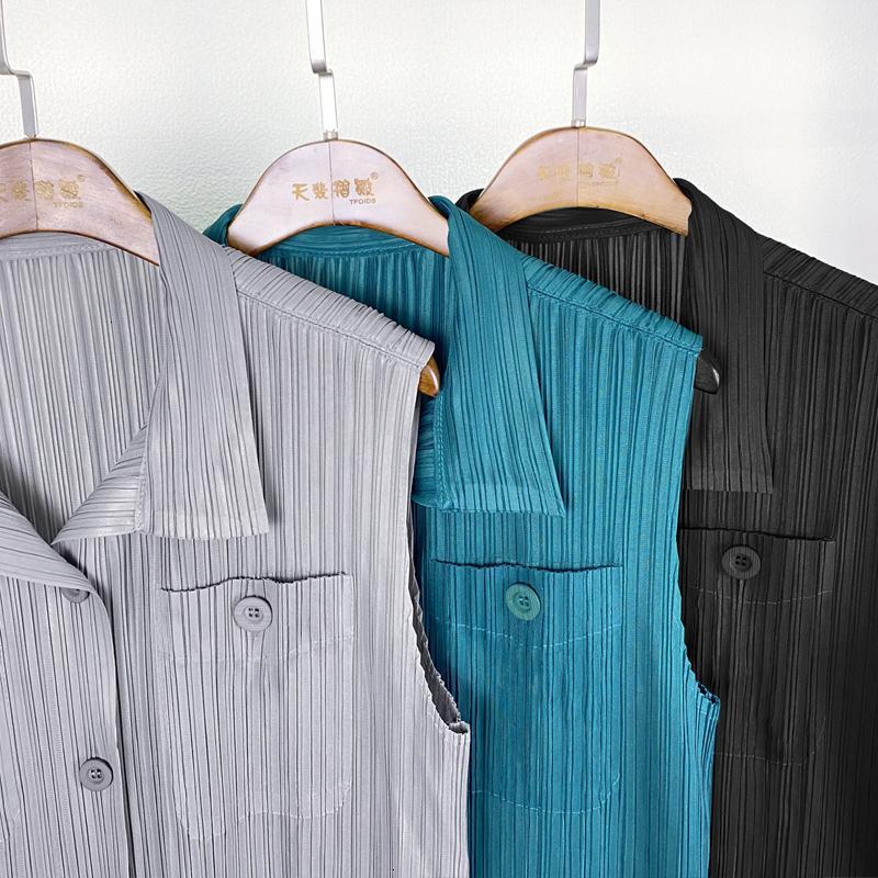 Новые 2021 Весна Летние Плиссированные Кнопки без рукавов Карманы Разворотный мотель Скалы Общая Корейская Эстетическая Одежда AA3Z
