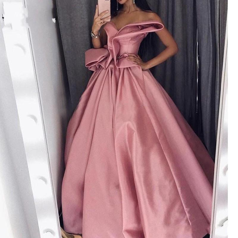 Görev Pembe Moda Uzun Gelinlik Modelleri 2021 Straplez Draped Ruffles Saten Resmi Elbise Arapça Akşam Parti Abiye Kırmızı Halı Elbise Özel