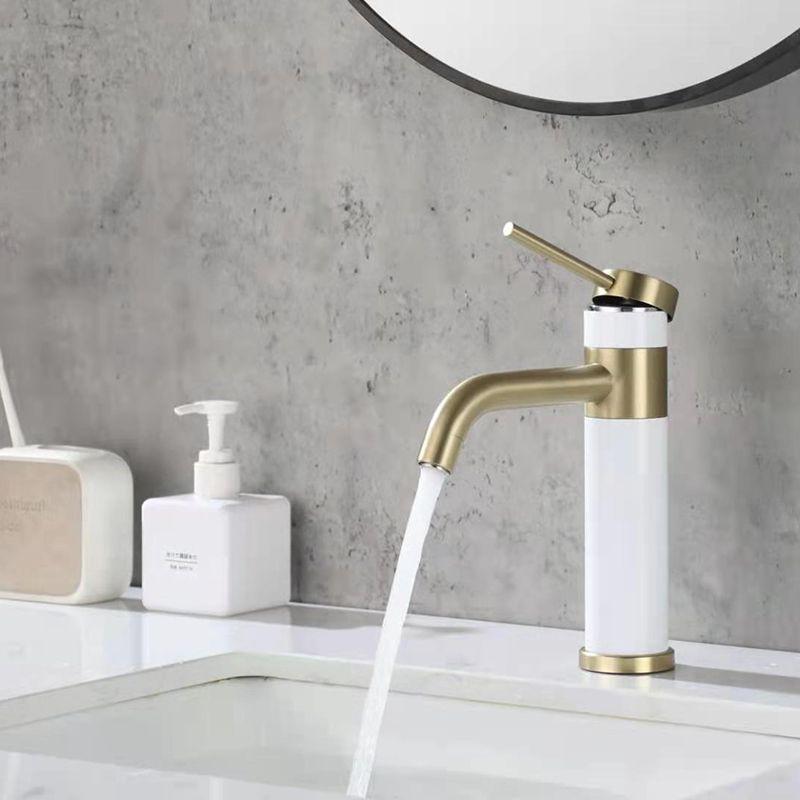 Rubinetti del bacino del bagno Rubinetti del lavello del miscelatore Rubinetto estraibile della stanza da bagno acqua cromo ottone lavandino moderno